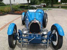 It proved so popular that the baby, as it was known, became a production model, sold until 1936. 1927 Bugatti Type 35b Replica Kit Car New 2110cc Motor On 1968 Vw Chassis Hotrod Classic Replica Kit Makes Bugatt Kit Cars Kit Cars Replica Bugatti Replica
