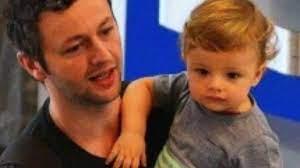Confira o vídeoclipe que Lucas Lima fez em homenagem ao seu filho Theo