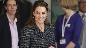 The wife of prince william; Kate Middleton Poses So Young Fan Can Get The Perfect Shot See The Pic Entertainment Tonight