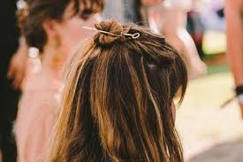 Flower Hair Style coachella hairstyles and festival hair trends that dont require a 5939 by wearticles.com