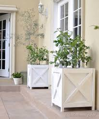 how to build a wooden planter box for