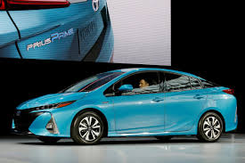 Toyota works to develop advanced electric-car battery