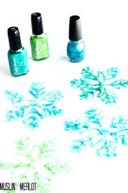 pretty snowflakes fun easy diy projects to do with friends glue