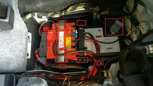 replacing a 2008 m3 e93 battery remove the battery vent hose note there be traces of acid so it is important to be wearing gloves lift the original oem battery by the handles note