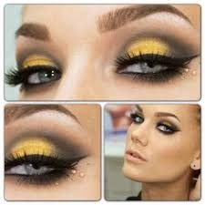 each single woman is interested to know about the best eye makeup for small eyes in the favor of the small eyes you have to apply a base layer of eye