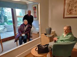 New 'visiting suite' helps residents and relatives stay connected at  Banbury care home during Covid-19 pandemic | Banbury Guardian