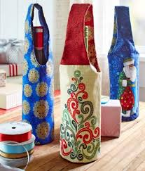 Holiday Wine Bottle Gift Bags to Sew   PatternPile.com - sew ... & Holiday Wine Bottle Gift Bags - Free Sewing Pattern Adamdwight.com