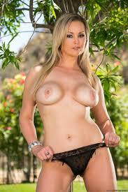 Curvaceous Ladies Got Naked In The Backyard photos Bridgette B.