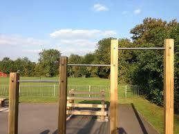 outdoor pull up bar set