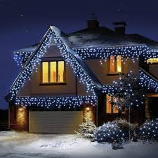Christmas Outdoor Lights At Lowest Prices The Best Outdoor Christmas Lights And Decorations For 2019