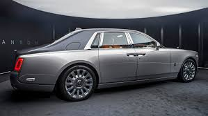 2018 rolls royce phantom interior. fine rolls inside the interior passengers are treated to a new dash experience the  gallery which was inspired by rollsu0027 customeru0027s fondness for highend art and 2018 rolls royce phantom interior s
