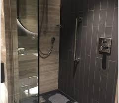 open shower stalls. 293 Open Shower Stalls O