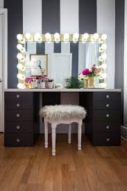 Where To Get A Vanity Mirror With Lights 10 Diy Vanity Mirror Projects That Show You In A Different Light