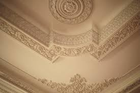 decorations ceiling plaster molds forms old high shapes lines corner large tall light wall molding daylighting