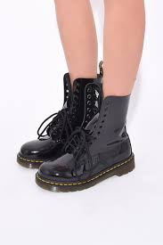 dr marten x marc jacobs boot in black marc jacobs
