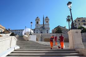 Raggi will die treppe indes nachts nicht sperren lassen. Rom Touristen Durfen Nicht Mehr Auf Spanischer Treppe Sitzen Der Spiegel