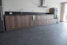 Vinyl in der küche bietet wie kaum ein anderer bodenbelag die erforderlichen eigenschaften für räume mit starker beanspruchung. Das Sind Die Besten Bodenbelage Fur Die Kuche Besserrenovieren