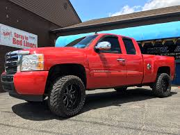 moto metal 970. chevy silverado 1500 with leveling kit and 20x10 moto metal 970 wheels 33 inch atturo trail blade mt tires