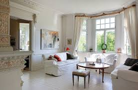 living room design with a bay window