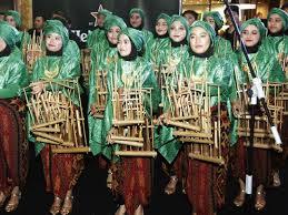 Selain itu, provinsi jawa timur juga dikenal sebagai salah satu provinsi yang memiliki banyak situs budaya dan juga banyak wisata. 6 Jenis Alat Musik Tradisional Indonesia Terkenal Dan Mendunia Citizen6 Liputan6 Com
