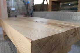 the unmistakable flowing grain of a real solid oak coffee table