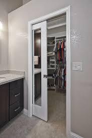 Image mirrored closet door Door Makeover Bathroom Décor Homedit How Mirrored Closet Doors Can Enhance The Beauty Of Your Home