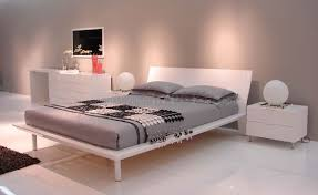 Lacquer Bedroom Furniture White Lacquer Finish Modern Bedroom W Platform Bed