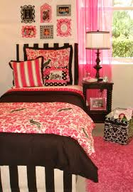 hot pink parrot and black dorm room bedding and decor