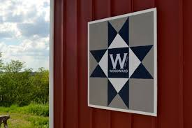 How to make a DIY barn quilt - NewlyWoodwards & How to create a modern barn quilt1 Adamdwight.com
