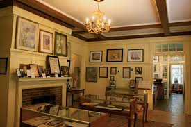 montgomery al f scott and zelda fitzgerald museum the writers home from 1931 to 32 now houses first editions translations and original artw