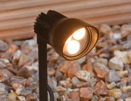 low voltage garden lights our guide