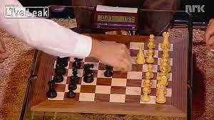 Chess grandmaster Magnus Carlsen vs Bill Gates - video Dailymotion