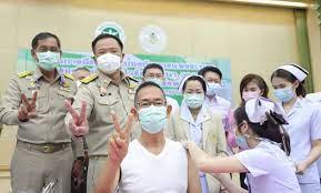 ผู้ว่าฯปทุมธานีประเดิมเข็มแรกฉีดวัคซีนป้องกันโควิด-19 - โพสต์ทูเดย์  ข่าวภูมิภาค