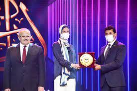 وزير الرياضة يكرم هداية ملاك وسيف عيسى على هامش احتفال ختام مهرجان إبداع |  رياضة