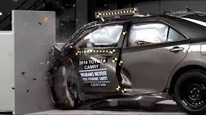 2014-2017 Toyota Camry/Hybrid IIHS Narrow-Overlap Crash Test - YouTube