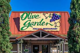woman suing olive garden after she was burned by a stuffed mushroom