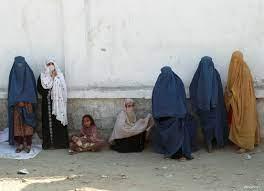 """عودة """"الأيام الحالكة"""".. نساء أفغانستان قلقات من تنامي نفوذ طالبان"""