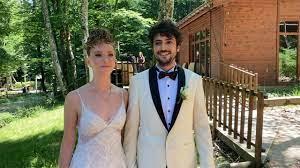 Mucize Doktor dizisinde Ali Vefa karakterine hayat veren Taner Ölmez ile Ece  Çeşmioğlu evlendi! Ece Çeşmioğlu kimdir?