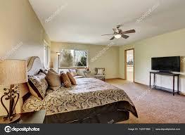 Master Schlafzimmer Innenraum Mit Kingsize Bett Und Fernseher