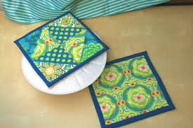 Modify Tradition: Potholder Tutorial & quilted potholders Adamdwight.com