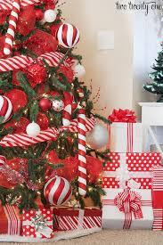 2016 Red & White Christmas Tree   Christmas tree, Christmas decor ... 2016  Red & White Christmas Tree