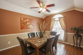 how high to hang dining room chandelier nytexas how high should chandelier hang above dining room table