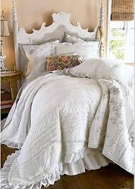 What is Doona or Quilt Cover? | eBay & Buying bedding can be a very confusing task when you are looking at  different options. For the cooler months a Doona or Quilt Cover is a way to  keep warm ... Adamdwight.com