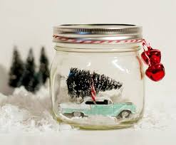 Decorate Glass Jar 100 kidfriendly recycled Mason jar crafts and projects Inhabitots 17