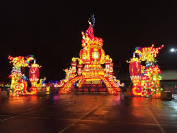 Columbus cafe outdoor lighting Deck Dragon Lights Chinese Lantern Festival Big Lots Of The Most Festive Things You Can Do In Columbus This Holiday Season