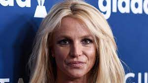 Britney Spears gets engaged with ...