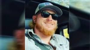 Deputies seek help locating Travis Robbins, last seen in Trinway, Ohio |  News Break