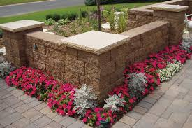 create decorative freestanding wall features with versa lok retaining wall blocks