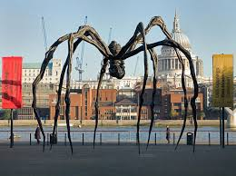 louise bourgeois maman 1999 bronze stainless steel and marble 30ft 5 in 29ft 3 in 33ft 7 in crystal bridges museum of american art