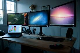 Triple Display Monitor Stand triple monitor standmount Yeah that's pretty cool Pinterest 66